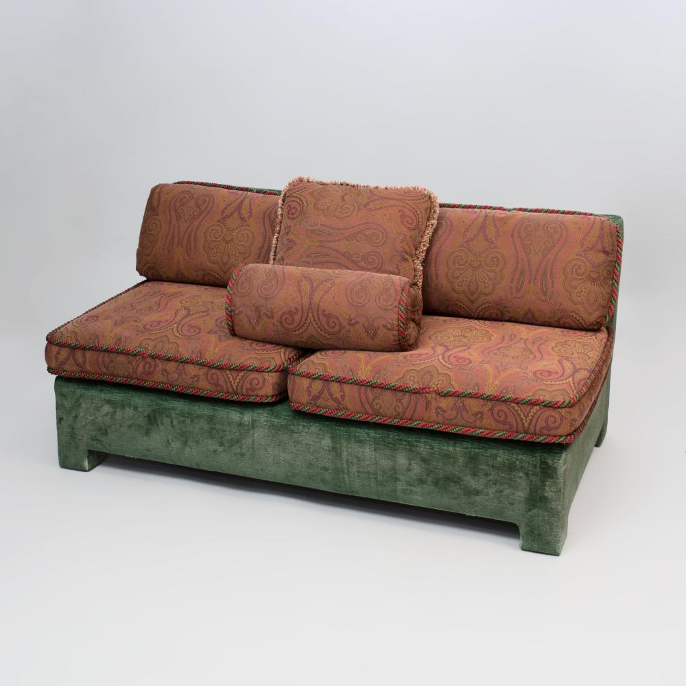 Peachy Green Velvet Upholstered Banquette With Paisley Pattern Cush Alphanode Cool Chair Designs And Ideas Alphanodeonline