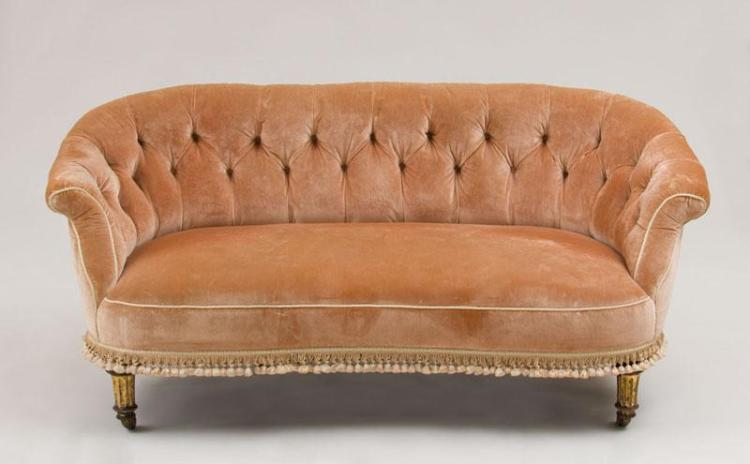 NAPOLEON III PEACH VELVET UPHOLSTERED SALON SUITE