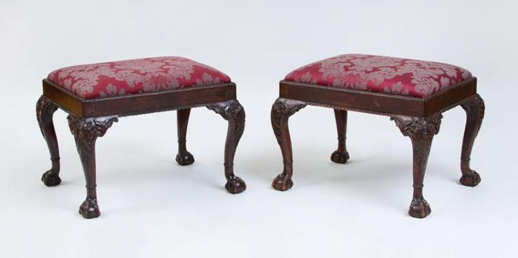 PAIR OF GEORGE III STYLE CARVED MAHOGANY STOOLS, LATE 19TH CENTURY
