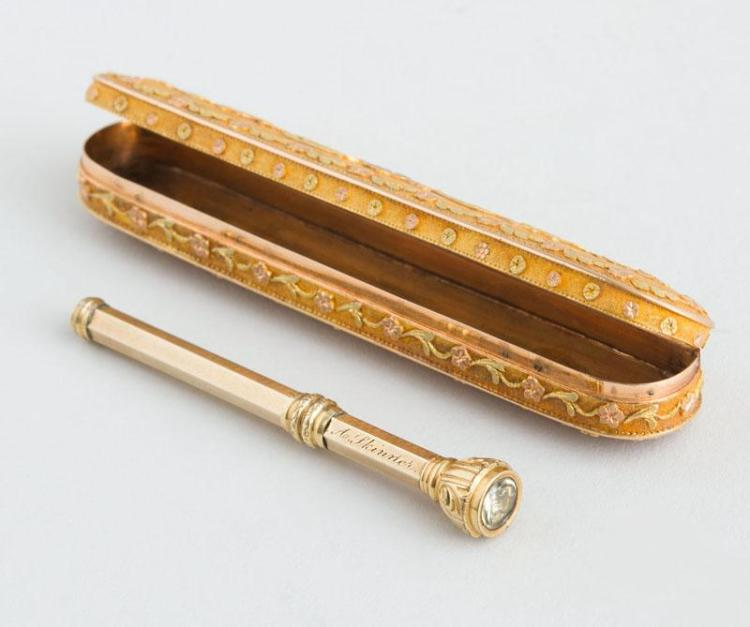FRENCH TRI-COLOR GOLD TOOTH PICK CASE AND A GOLD TOOTHPICK