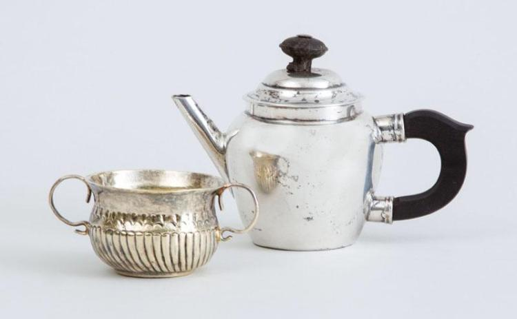 QUEEN ANNE SILVER-GILT MINIATURE CUNDLE CUP AND A DUTCH SILVER MINIATURE TEAPOT