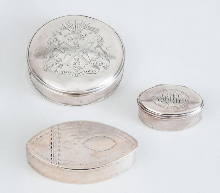 IRISH GEORGE III SILVER SNUFF BOX A GEORGE III SILVER NUTMEG GRATER AND A SILVER CIRCULAR SEAL BOX
