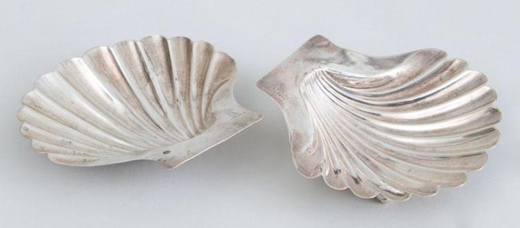 PAIR OF GEORGE III CRESTED SILVER BUTTER SHELLS