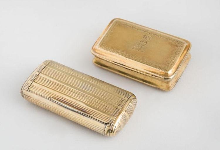 GEORGE III CRESTED SILVER-GILT VINAIGRETTE AND A GEORGE III SILVER-GILT SNUFF BOX
