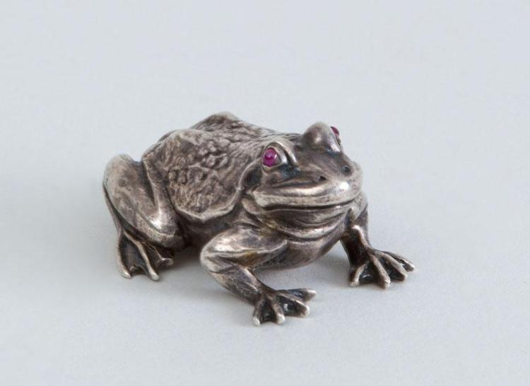 ENGLISH SILVER MODEL OF A FROG, WITH GARNET EYES