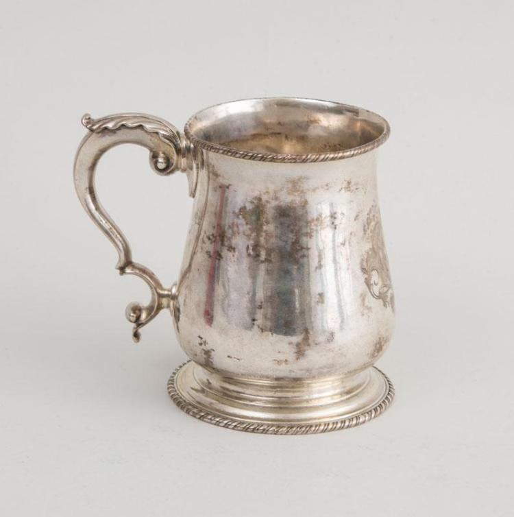AMERICAN SILVER FOOTED ENGRAVED CAN WITH LATER SCRIPT MONOGRAM