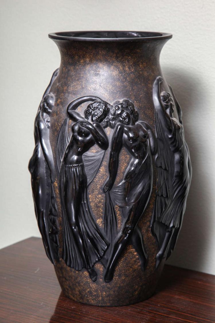 art deco vase by sabino. Black Bedroom Furniture Sets. Home Design Ideas