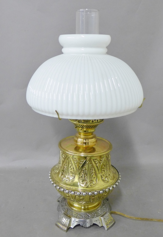 Cast-Brass Fluid Lamp