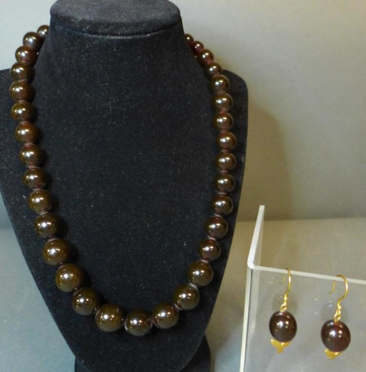 Cherry Amber Earrings & Necklace Set