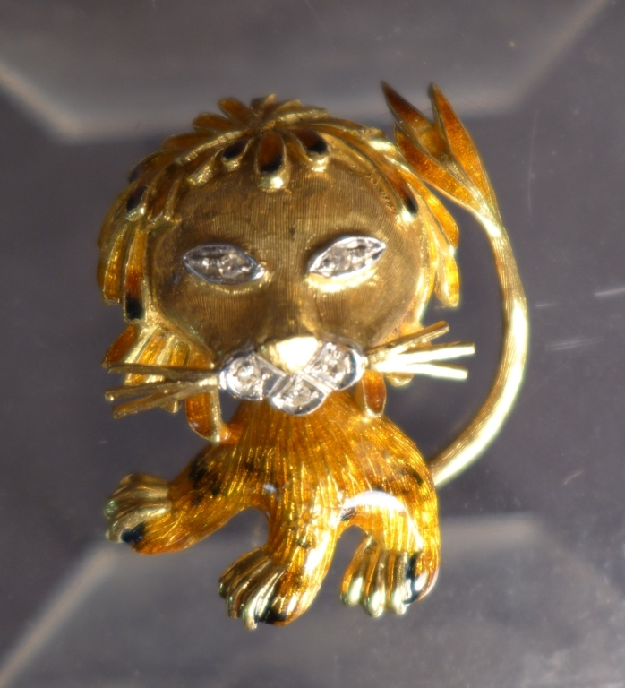 18K Gold & Diamond Lion Enameled Pin