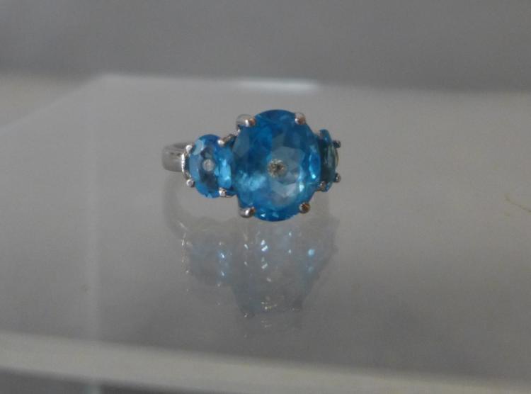 Blue Topaz, Diamond & White Gold Ring