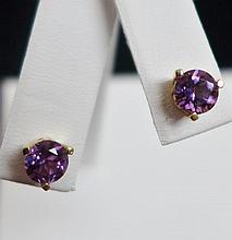 14 kt Gold Stud Earrings