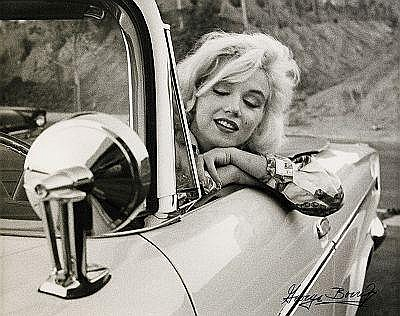 GEORGE BARRIS USA, född 1928 Marilyn in a white