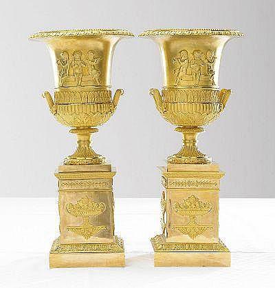 URNOR, 1 par, brännförgylld brons, högklassiga