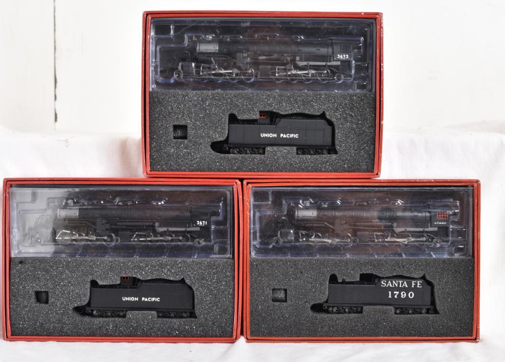 Three Heritage N scale USRA 2-8-8-2 steam locomotives - Union Pacific and Santa Fe