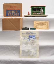 Lionel Postwar 128 Animated Newsstand w/Apple Green Newsstand Boxed