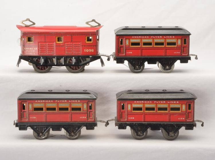 Am Flyer Prewar O Ga. Red Lithographed 1095 Boxcab and 1120 1120 1120 Coaches