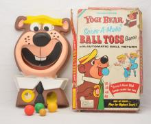 Transogram Yogi Bear Score-A-Matic Ball Toss Game Boxed