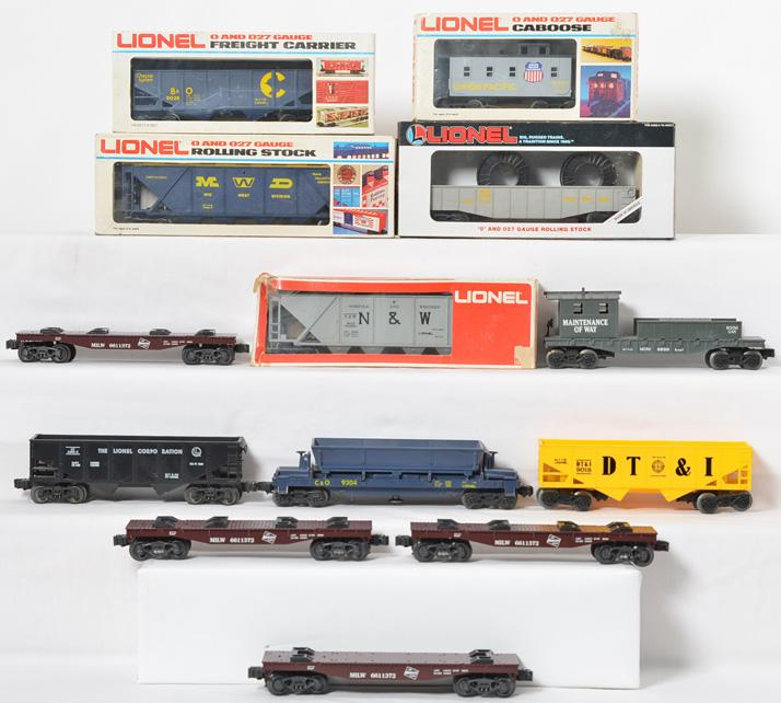 13 Lionel Freight Cars, 9038, 9113, 6432, 9018 9304, 16328, 6850