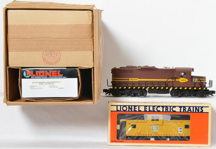 Lionel 18813 Duluth, Missabe, & Iron Range SD-18 and Extended Vision Caboose