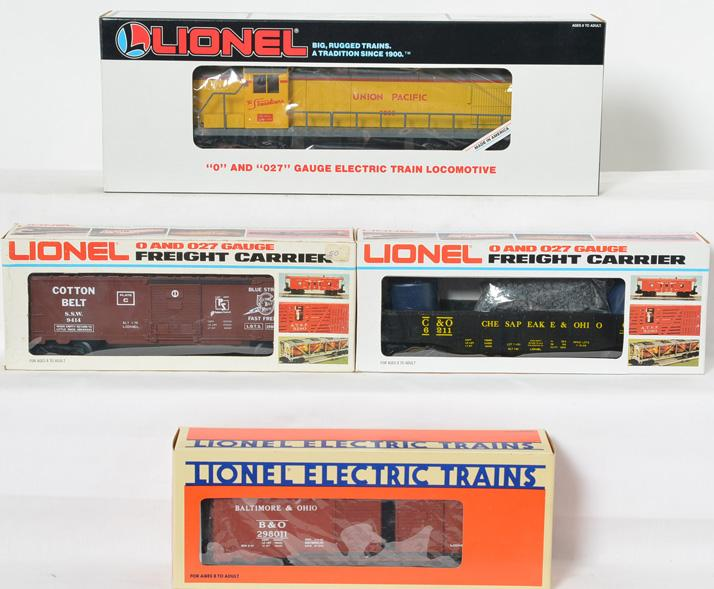 Lionel LOTS RS-3 Diesel and Freight Cars, 18890, 6211, 17882, 9414