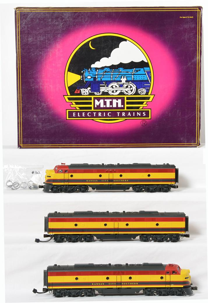 MTH KCS EMD E-8 ABA diesel set with Protosound 20-2207