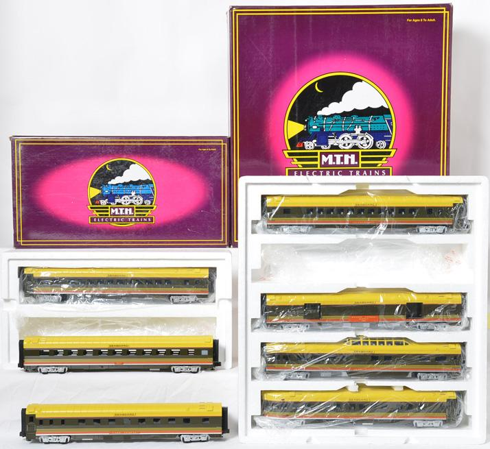 MTH 20-6515 and 20-6615 Seaboard passenger set