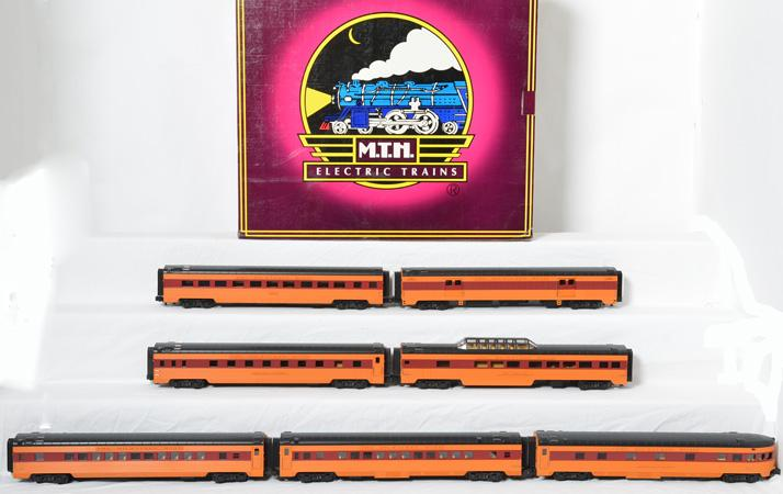 MTH Milwaukee Road 5 car streamlined passenger, 65025, and 2 add on cars