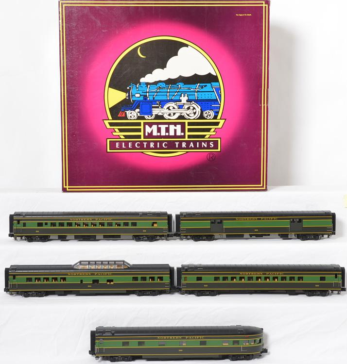 MTH 65046 Northern Pacific 5 car Smooth Streamlined Passenger Set