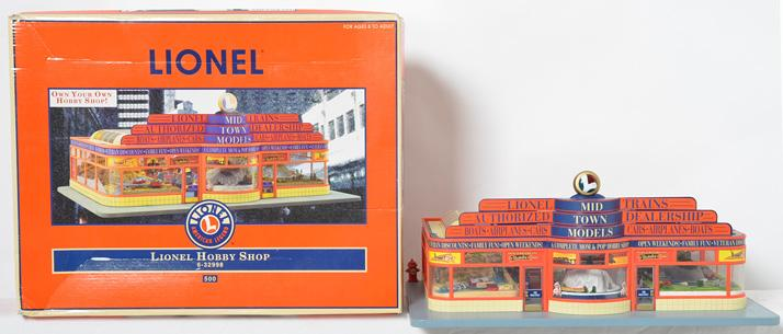 Lionel modern O gauge 32998 operating hobby shop