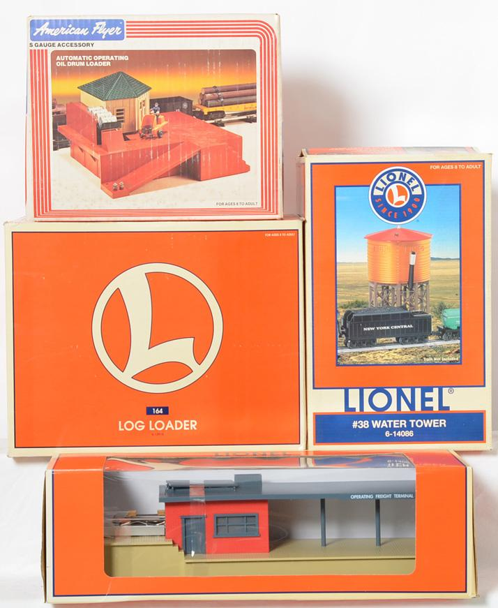 4 modern Lionel accessories 164 log loader, 38 water tower, oil drum, crate loader