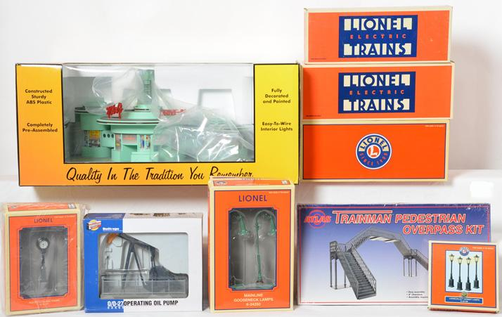 9 Lionel and Railking accessories Mel''s diner, windmill, water tower, etc.
