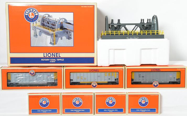 Lionel rotary coal tipple 32910 with extra gondolas and coal tipple packs