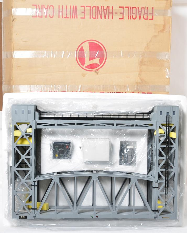 Lionel 12782 Lift bridge, new in the box