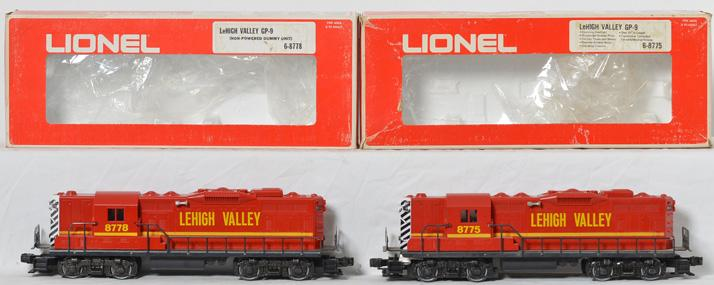 Lionel LeHigh Valley GP-9 Diesel Set, 8775, 8778