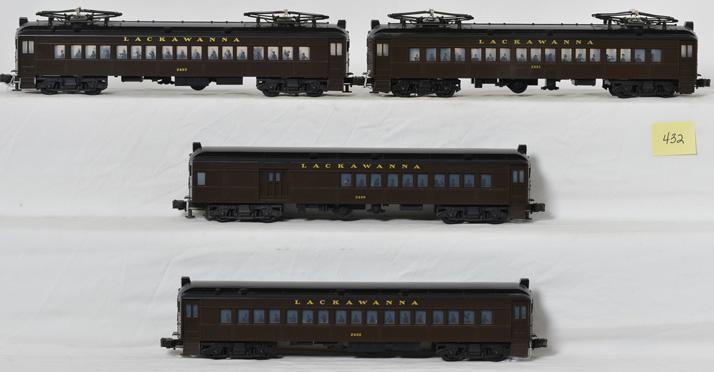 4 Lionel Lackawanna Commuter Cars, 2400-03