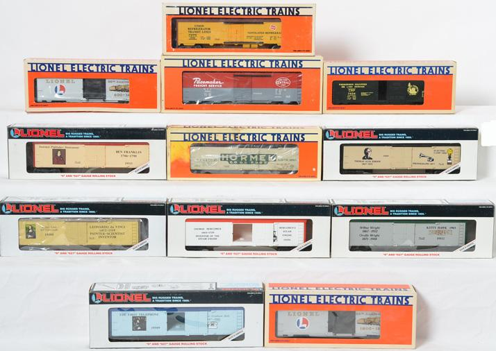 12 Lionel Freight Cars, 7404, 19500, 9469, 19532, 19512, 948