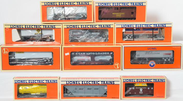 11 Lionel Freight Cars, 6908, 16149, 19807, 16374, 16390, 19415, 26098