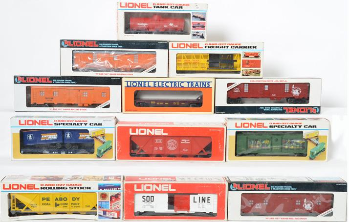 13 Lionel Freight Cars, 9276, 19653, 19654, 9308, 9407, 9039, 9119