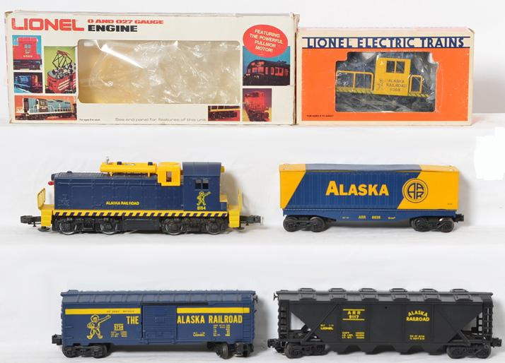 Lionel Alaska Railroad Switcher, Motorized Unit, Freight Cars, 8154, 8368, 9758