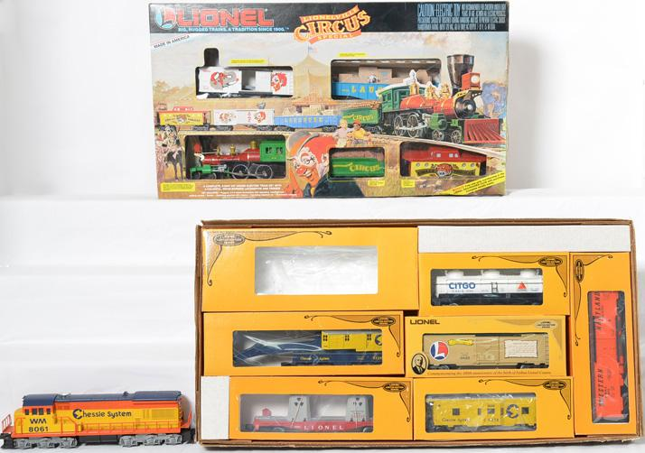 2 Lionel Train Sets, 1070 Chessie Royal Limited, 11716 Lionelville Circus