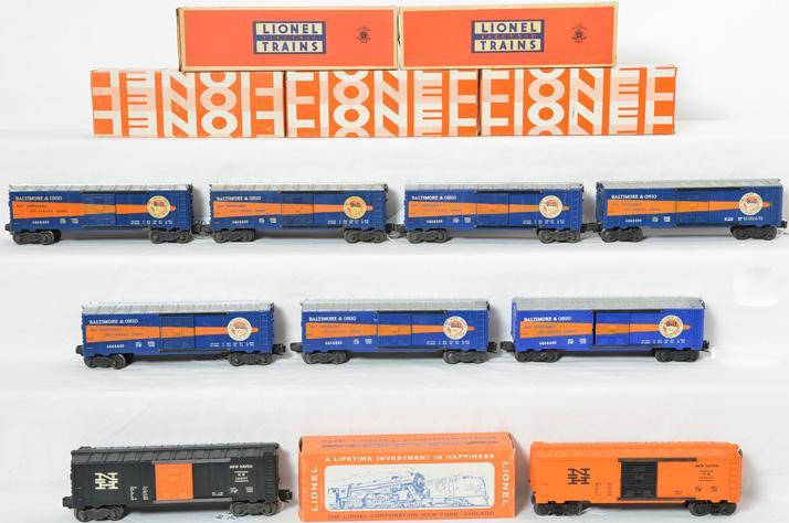 Great lot of Lionel postwar 6464 boxcar, B&O, New Haven