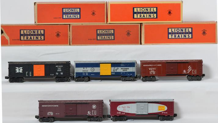 Group of Lionel 6464 boxcars in boxes -50, -150, -200, -375, -425