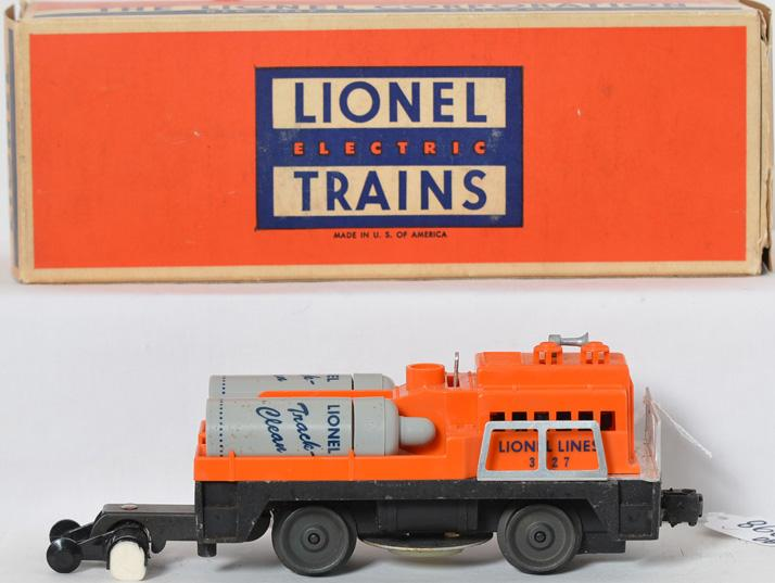 Lionel 3927 track cleaning cars in OB