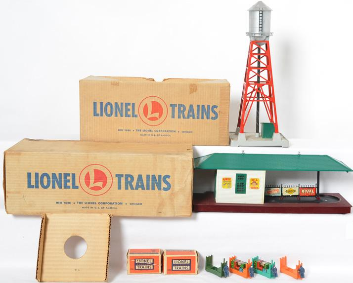 Lionel postwar 193 water tower and 356 freight station in original boxes