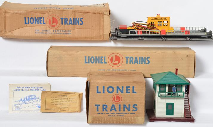 Lionel 350 transfer table, 445 switch tower, 110 trestle all boxed