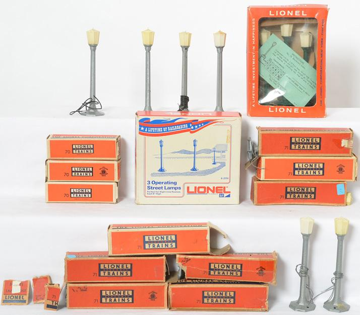 Group of Lionel lamps eleven no. 71, 76, 2170, 70 boxes