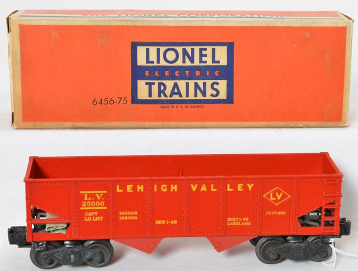Tougher Lionel high grade red glossy 6456 hopper in correct -75 OB