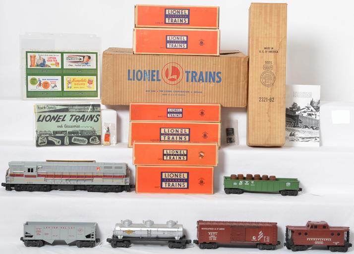 Lionel Postwar 2219W Lackawanna diesel freight in original boxes and set box