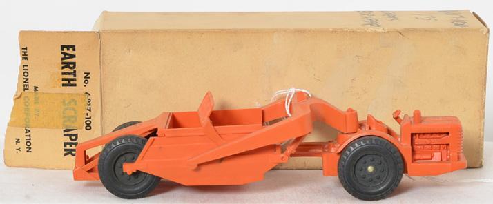 Lionel 6817-100 earth scraper in white box